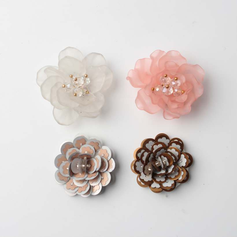 4 Three-Dimensional Flower Design Sequin Trims With Shining Rhinestones