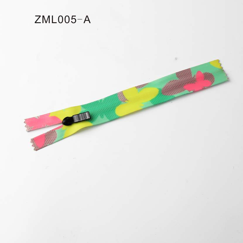 Attractive Multi-Color Decorative Zipper
