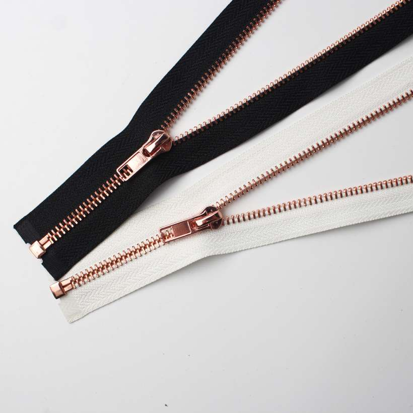 Delicate zipper with copper teeth