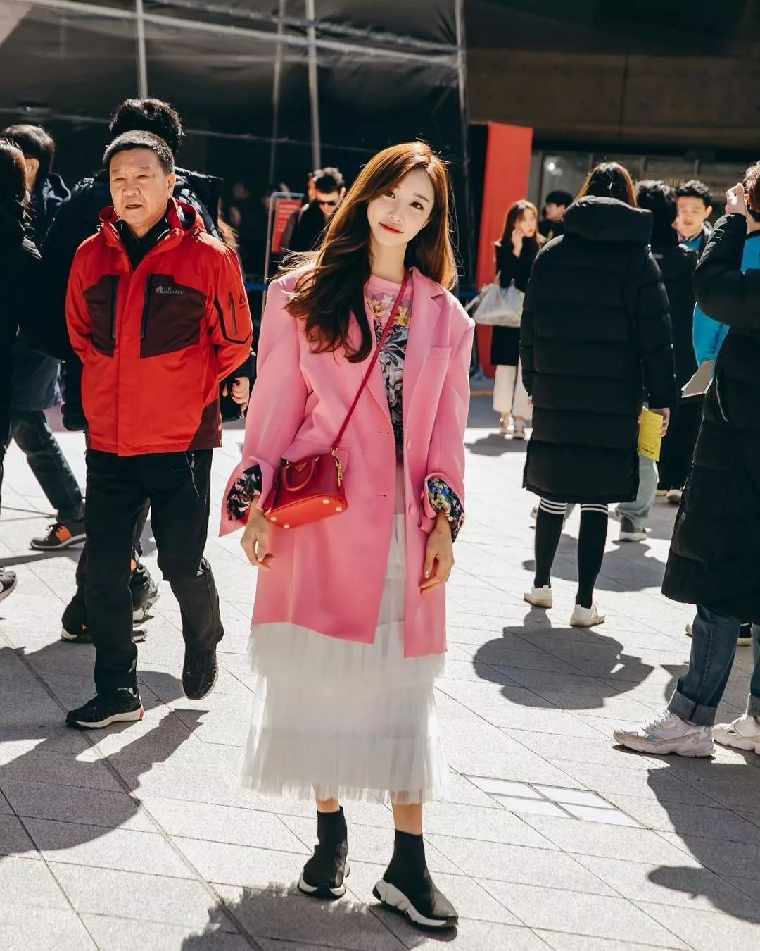 In Front Of High Energy China South Korea And South Korea Fashion Week Street Shoot Battle I Choose One Click Copy